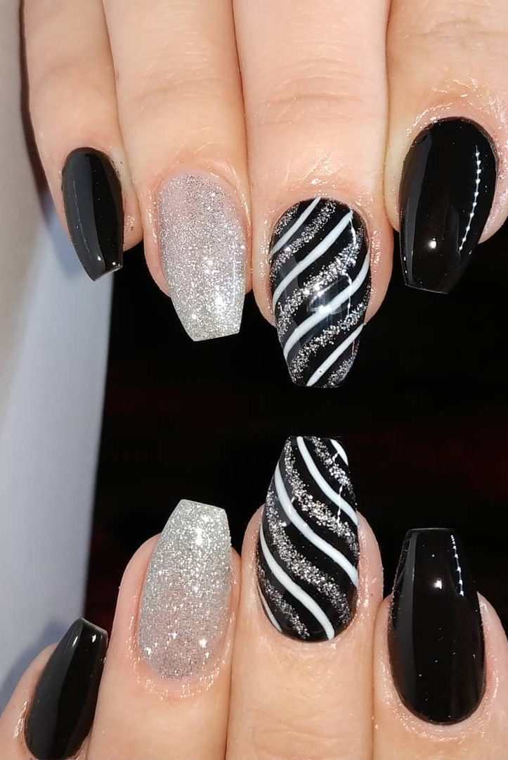 39 Fabulous Ways To Wear Glitter Nails Designs For 2019 Summer Page 34 Of 39 Lasdiest Com