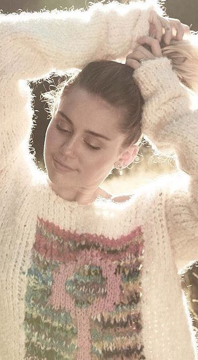 32-crazy-and-beautiful-miley-cyrus-pictures-and-photos-this-year-2019