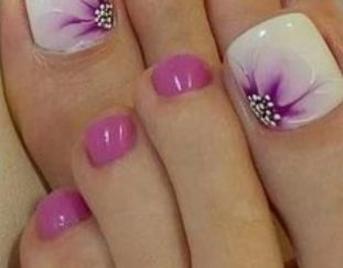 38-adorable-toe-nail-designs-for-this-summer-pedicure-nailart-2019